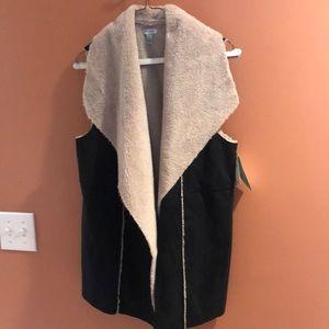 Susina Faux Fur Poly Vest.  Size Large